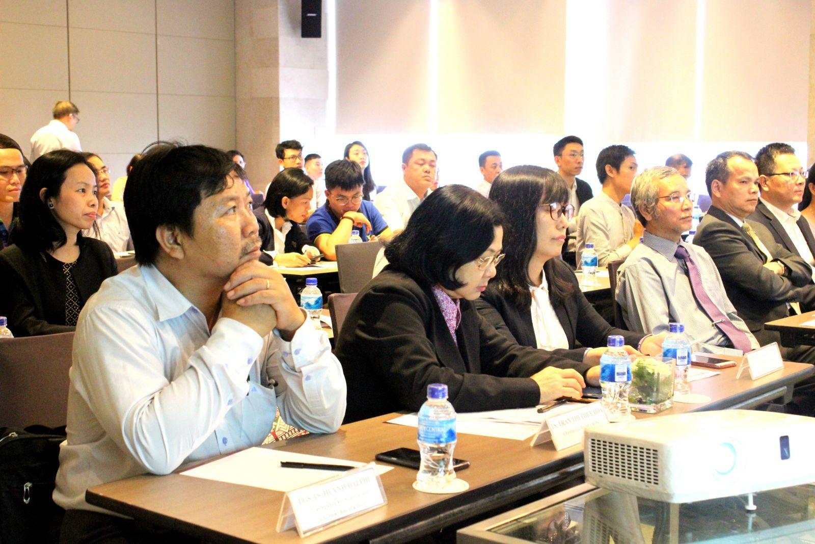 Ban tổ chức hội thảo trân trọng đón tiếp các đại biểu đến từ Bộ ngành, Hiệp hội, trường  Đại học và các chuyên gia hàng đầu